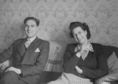 Mum & Dad and 1950s wallpaper
